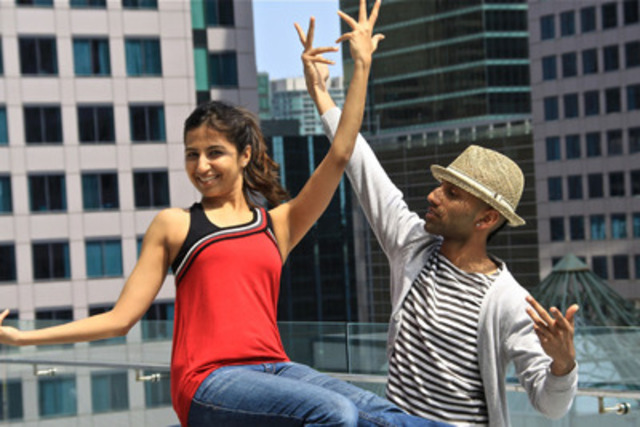 Kalpita Desai and Chase Constantino, CIBC IIFA Bollywood Dance Move Winners, welcome the world to Canada. (CNW Group/CIBC)