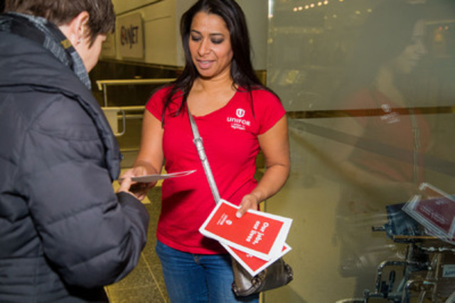Unifor handed out leaflets at the airport to raise awareness about the treatment of their members who assist passengers with special needs. (CNW Group/Unifor)