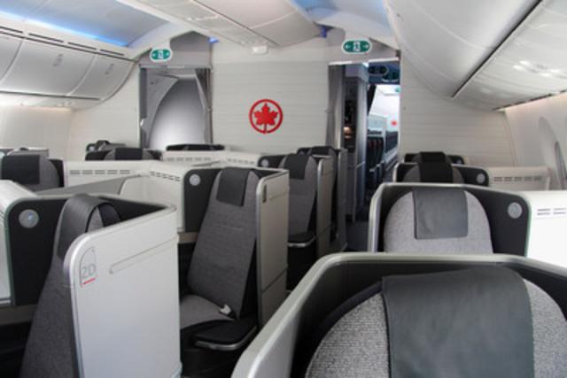 La nouvelle cabine de la Classe affaires internationale d'Air Canada à bord de l'appareil 787 Dreamliner. (Groupe CNW/Air Canada)