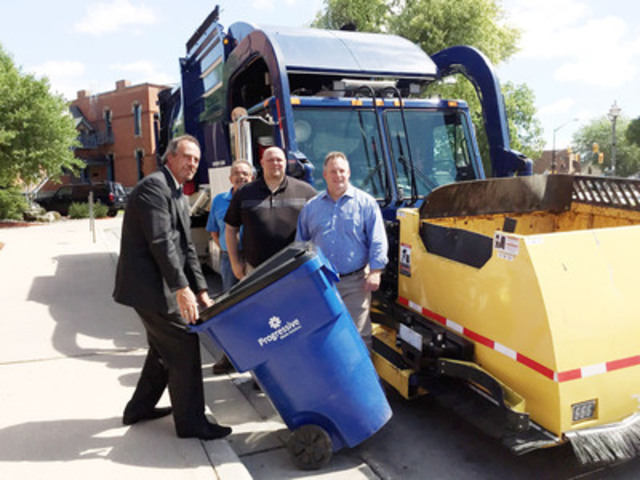 Chatham-Kent mayor Randy Hope, and from Progressive Waste Solutions, Tom Muschik, Steve McArthur, George South (CNW Group/Progressive Waste Solutions Ltd.)