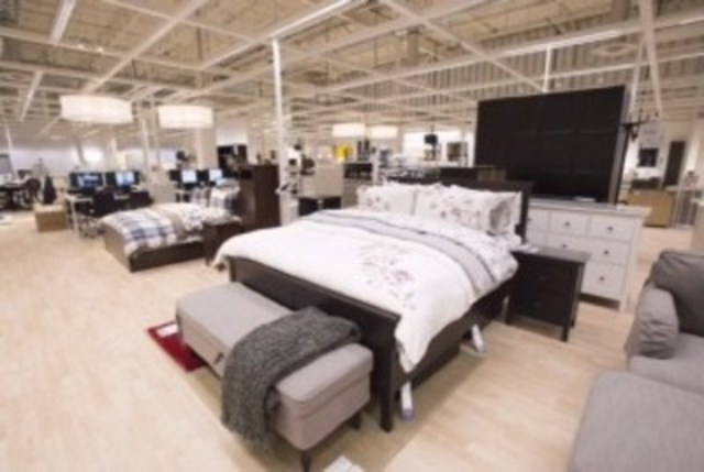 IKEA officially opens Pick-Up and Order Point in Québec City (CNW Group/IKEA Canada)