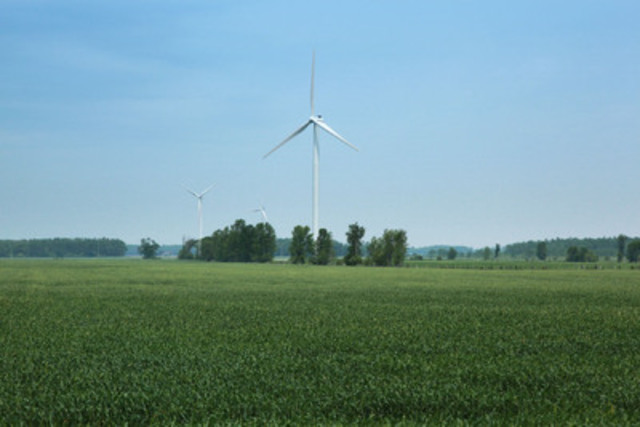 Wind Turbines - Kincardine, Ontario. (CNW Group/Canadian Wind Energy Association)