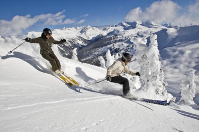Julia Murray, une athlète olympique canadienne de ski cross, applique toujours un écran solaire avant d'aller dévaler les pentes car elle connaît les dangers des rayons ultraviolets en hiver. (Groupe CNW/Réseau mélanome Canada)
