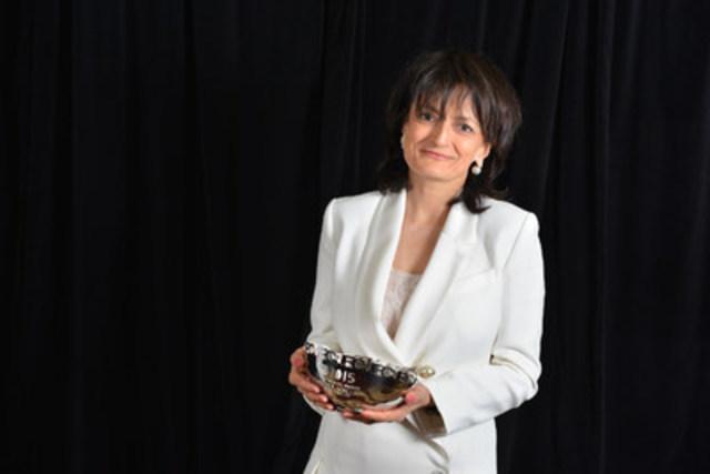 Heather Mallick, chroniqueuse pour le Toronto Star qui a gagné le prix Landsberg l'année dernière, a été choisie par le jury en raison de son travail portant sur le cadre juridique entourant la prostitution dans d'autres pays à l'occasion du débat canadien concernant les lois gouvernant le commerce du sexe. (Groupe CNW/La Fondation pour le journalisme canadien)