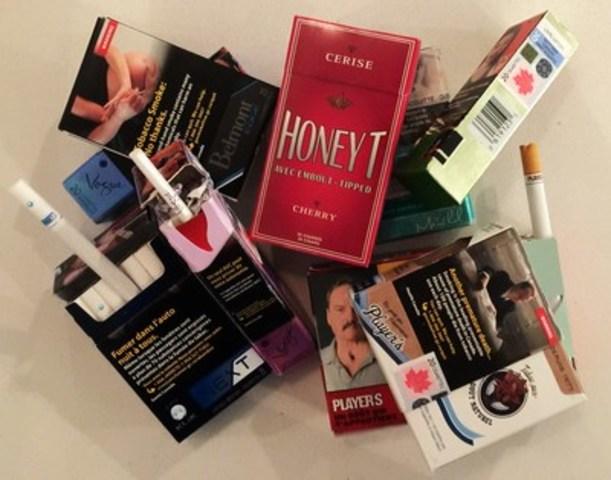 Assortiment de produits et d'emballages qui ne pourront bientôt plus être vendus au Québec. Photo libre de tout droit d'auteur. (Groupe CNW/Coalition québécoise pour le contrôle du tabac)