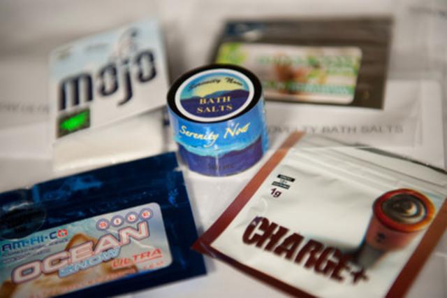 Échantillons des « sels de bain » qui contiennent de la MDPV. (Groupe CNW/Santé Canada)
