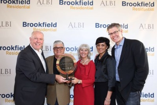 Alan Norrris, CEO, Brookfield Residential Properties Inc.; Tom Mauro, Co-Chair, ALBI Homes Ltd.; Debra Mauro, Co-Chair, ALBI Homes Ltd.; University of Calgary representative; Trent Edwards, COO, Brookfield Residential (Alberta) (CNW Group/Brookfield Residential Properties Inc.)