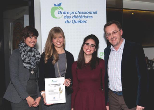 De gauche à droite, Laurence Da Silva Décarie, Lydiane St-Pierre Gagnon, nutritionnistes chez Sobeys Québec, Stéphanie Gladmans pour l'OPDQ, et Mario Lalancette, chef nutritionniste chez Sobeys Québec. (Groupe CNW/Sobeys Québec)