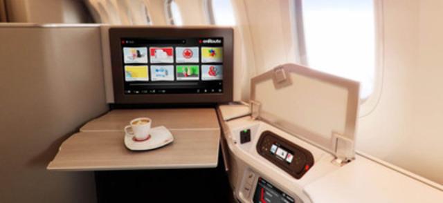 Fauteuils-lits ovés avec système de divertissement (Groupe CNW/Air Canada)