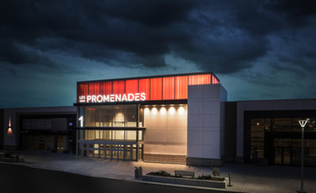 After more than 20 intense months of work and a $110 million upgrade by its owners Oxford Properties Group and Montez Corporation, Les Promenades Gatineau revealed its new look today and celebrated the opening of the brand new 80,000-plus square foot Simons store. (CNW Group/Les Promenades Gatineau)
