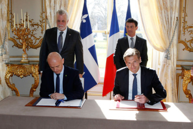 Signature de l'entente de partenariat de Communauto France et Toyota France à l'Hôtel ...