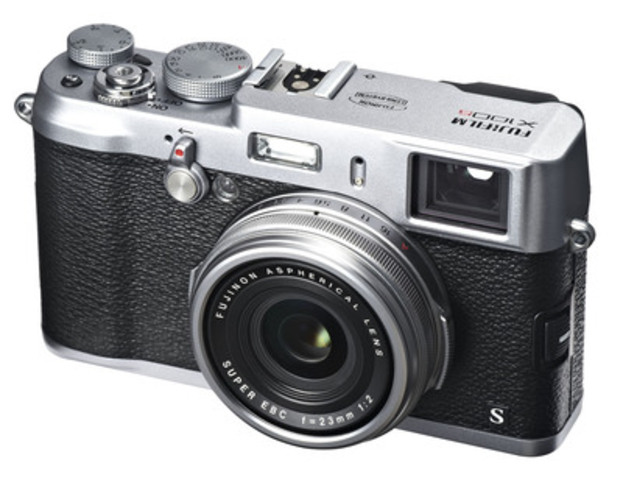 NEW X100S available in Spring 2013. (CNW Group/FUJIFILM Canada Inc.)