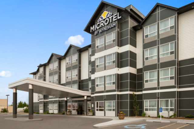 Bonnyville and Whitecourt Microtel Inn and Suites by Wyndham are offering rooms to residents of Fort McMurray (CNW Group/Microtel Inn and Suites by Wyndham)