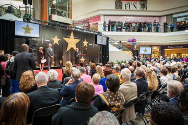 Scarborough Walk of Fame STAR Unveiling Promises to Draw Crowds at Scarborough Town Centre (CNW Group/The Scarborough Hospital Foundation)