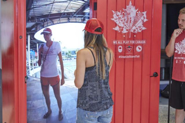 La porte rouge sur Rio de Canadian Tire offre un accès sans précédent à la Maison olympique du Canada. (Groupe CNW/SOCIÉTÉ CANADIAN TIRE LIMITÉE)