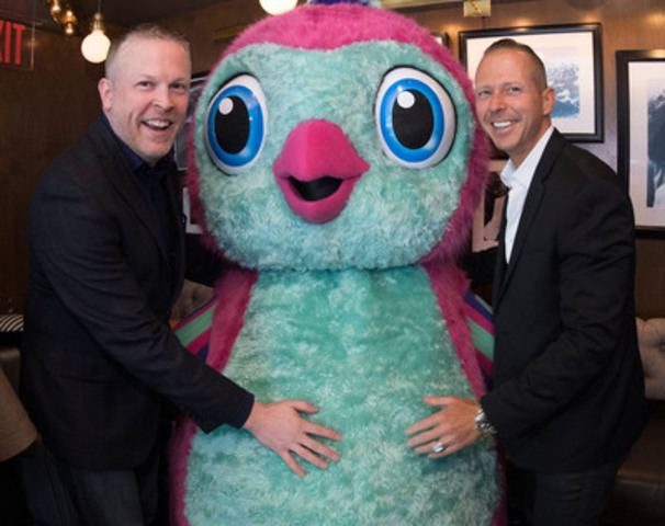 Spin Master's James Martin, Head of Robotics Global Business Unit and Ben Gadbois, Global President & Chief Operating Officer with a Hatchimals Penguala (CNW Group/Spin Master)