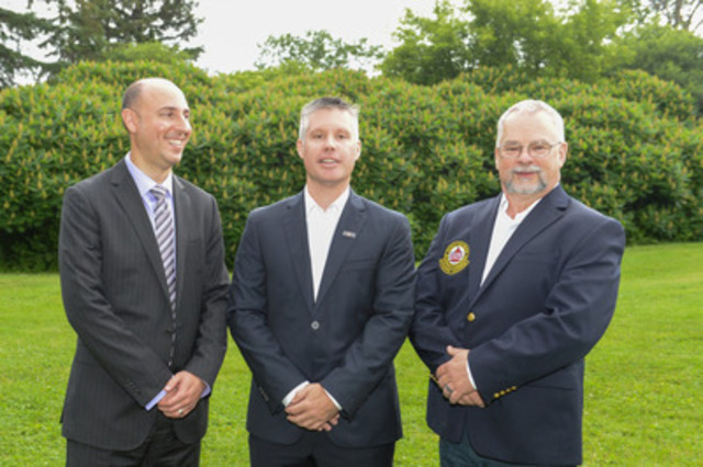 (L-R) Gianluca Arcari, Executive Director, Standards and Vice President, CSA Group; Dominik Breton, Director Policy and Programs, National Search and Rescue Secretariat; Scott Wright, President, Search and Rescue Volunteer Association of Canada, attend the launch of Canada's first standard on ground search and rescue operations on June 23 at Ottawa's Hog's Back Park. (Marc DesRosiers/Freelance) (CNW Group/CSA Group)