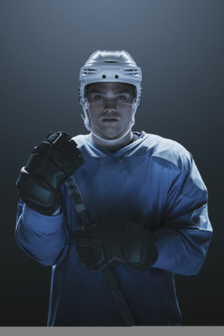Hockey player and diabetes advocate Max Domi renews partnership with Ascensia Diabetes Care Canada Inc. Together they will raise awareness about diabetes management and encourage Canadians with diabetes to follow their dreams. (CNW Group/The Colony Project)