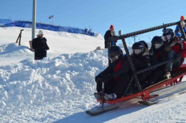 The Ryerson team starting the race on their sustainable concrete toboggan (CNW Group/Holcim Canada Inc.)