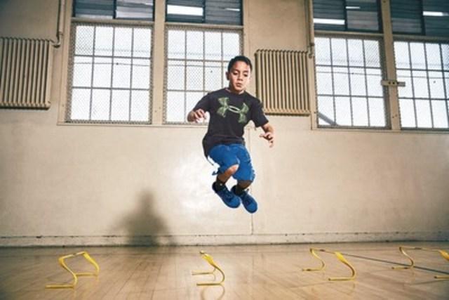 Les jeunes athlètes se feront concurrence pour se tailler une place parmi l'équipe canadienne Under Armour NEXT propulsée par Sports Experts et devenir l'un des visages de la marque jeunesse d'Under Armour.  Jusqu'au 31 août 2016, les parents, les tuteurs légaux, les mentors et les entraîneurs peuvent soumettre en ligne la candidature d'un jeune athlète www.equipeUAnextcanada.com. (Groupe CNW/Under Armour, Inc.)