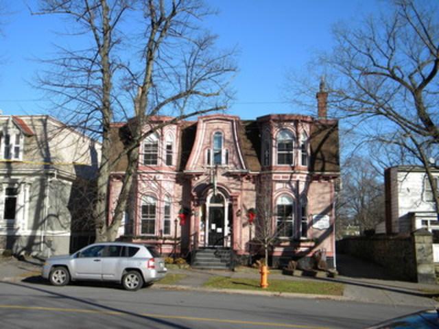 Finaliste sous la catégorie de Quartier remarquable – Schmidtville en Halifax, N.-É. (Groupe CNW/Institut canadien des urbanistes)