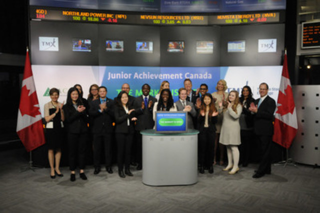 JA Canada students open the markets (CNW Group/JA Canada)
