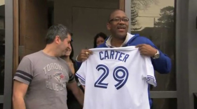 Toronto Blue Jay hero Joe Carter surprises season ticket holder with help from UPS