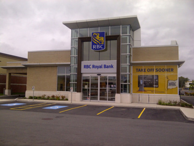 "RBC's first retail store in Newfoundland and Labrador opened today at 61 Kelsey Drive in St. John's. The new store offers a fresh take on the bank branch experience with interactive advice areas, ""touch"" or surface screen technology, and a more open area for customers. (CNW Group/RBC Royal Bank)"