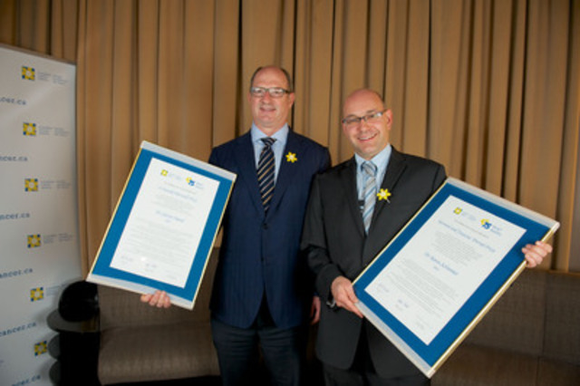 Drs Steven Narod (L) and Aaron Schimmer, Ontario-based recipients of this year's Canadian Cancer Society Awards for Excellence in Cancer Research. (CNW Group/Canadian Cancer Society (Ontario Division))