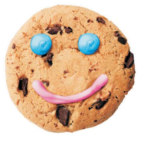 Tim Hortons apporte plus de sourires aux communautés du Canada grâce à sa campagne de financement annuelle de biscuits Sourire dont les organismes caritatifs locaux peuvent profiter, d'un bout à l'autre du pays. Pendant une semaine à partir d'aujourd'hui, les propriétaires de restaurant Tim Hortons remettront généreusement toutes les recettes des ventes d'un biscuit spécial aux brisures de chocolat à des organismes caritatifs locaux. (Groupe CNW/Tim Hortons Inc.)