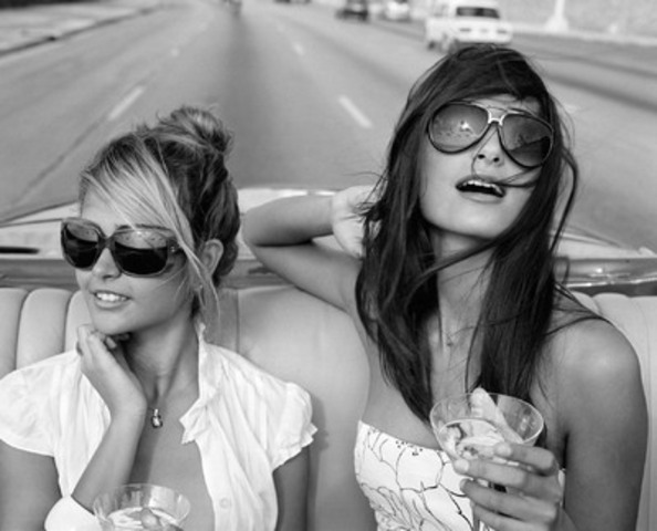 """""""Rachel and Gisele"""" from Habana Libre; Michael Dweck (CNW Group/Izzy Gallery)"""