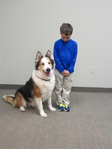 La méthode « Be a Tree » (Deviens un arbre) de Doggone Safe enseigne aux enfants ce qu'ils doivent faire quand un chien en liberté les approche : Plante tes racines, replie tes branches et demeure immobile comme un arbre. Ne t'enfuis jamais en courant. (Groupe CNW/Institut canadien de la santé animale)