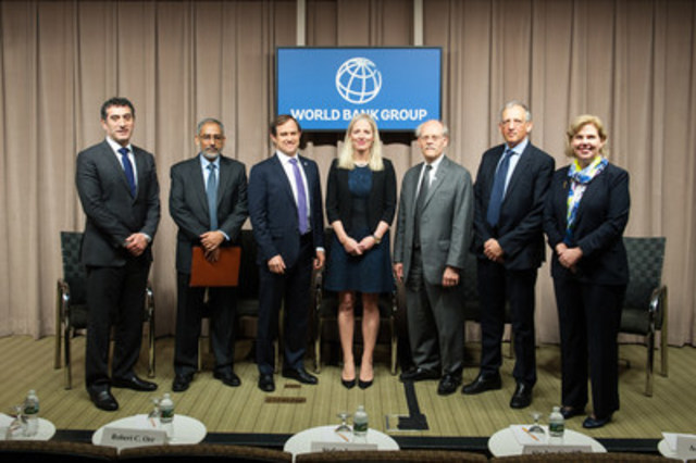 On April 15, 2016, Minister Catherine McKenna with panelists Robert C. Orr, Aditya Narain, Stefan Ingves, Sir Jon Cunliffe, and Adele Morris during the Climate Change and Financial Stability Executive Panel. (CNW Group/Environment and Climate Change Canada)