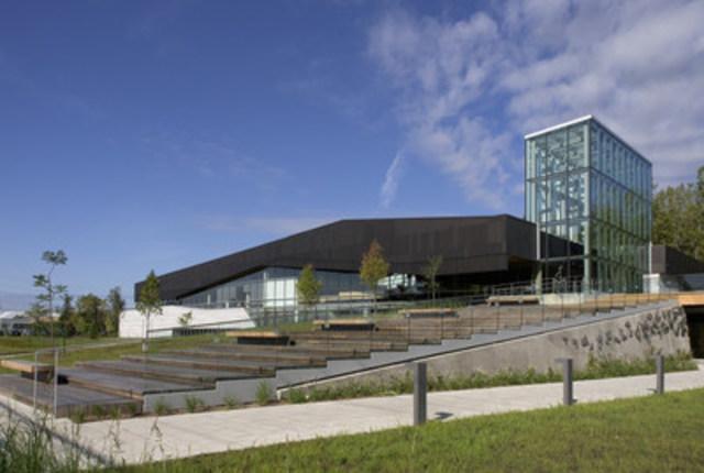 La Bibliothèque du Boisé lauréate du Grand Prix d'excellence de l'Ordre des architectes du Québec (Groupe CNW/Ville de Montréal - Arrondissement de Saint-Laurent)