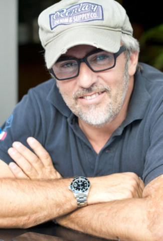 Jean-Pierre Marcellesi, auteur-compositeur-interprète (Groupe CNW/Fondation Jasmin Roy)