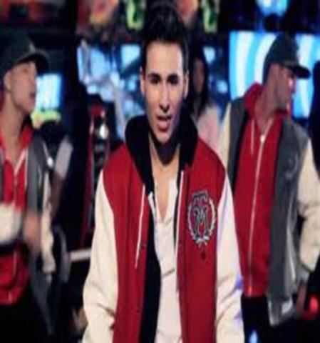 Teen-Pop Sensation Tyler Medeiros (CNW Group/World Vision Canada)