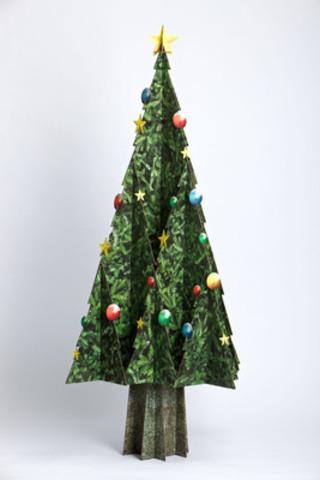Massimo Christmas tree, made of 100% recycled cardboard. (CNW Group/CASCADES INC.)
