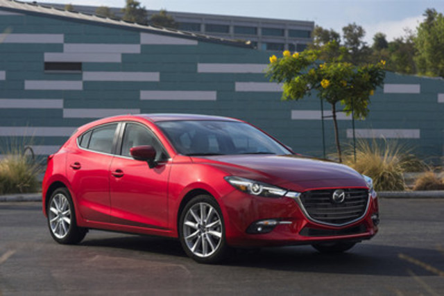 Updated 2017 Mazda3 Sport (CNW Group/Mazda Canada Inc.)