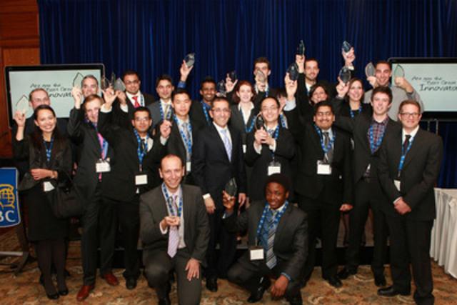 Les finalistes de la cinquième édition du Défi Prochain grand innovateur célèbrent leur exploit. (Groupe CNW/RBC (French))