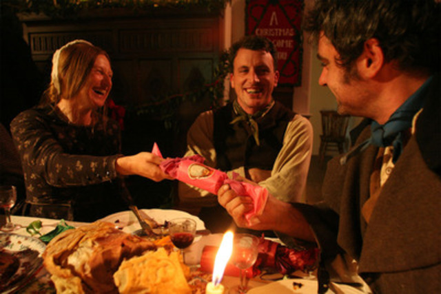 Ruth Goodman, Alex Langlands and Peter Ginn celebrate Christmas in Acton Scott Hall. © Lion TV. (CNW Group/TVO)
