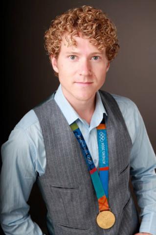 Le gymnaste Kyle Shewfelt se joint à l'Équipe de relève CIBC à titre de mentor (Groupe CNW/Banque Canadienne Impériale De Commerce)