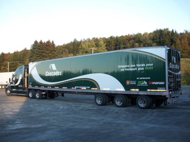 New streamlined semi trailer designed by FPInnovations, Manac and Cascades (CNW Group/FPINNOVATIONS)