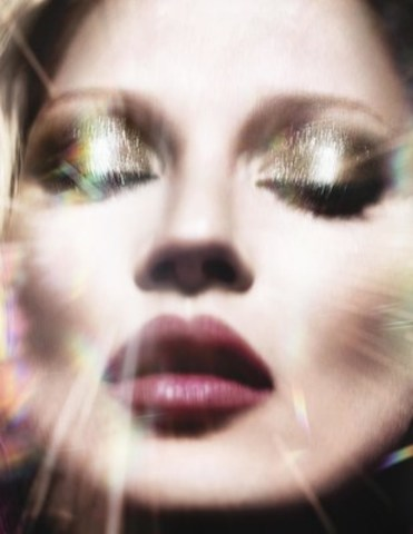 Kate Moss, the face of Charlotte Tilbury's FIRST Fragrance; Scent of a Dream (CNW Group/Charlotte Tilbury)