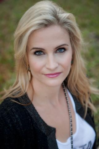 Rhianna Weaver from W Network's Hockey Wives (CNW Group/W Network)