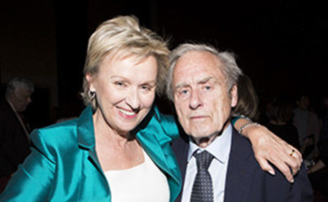 The CJF Tribute honoured Tina Brown, former New Yorker and Vanity Fair editor, and Harold Evans, former Sunday Times editor, for their distinguished contributions to journalism at the CJF Awards. (CNW Group/Canadian Journalism Foundation)