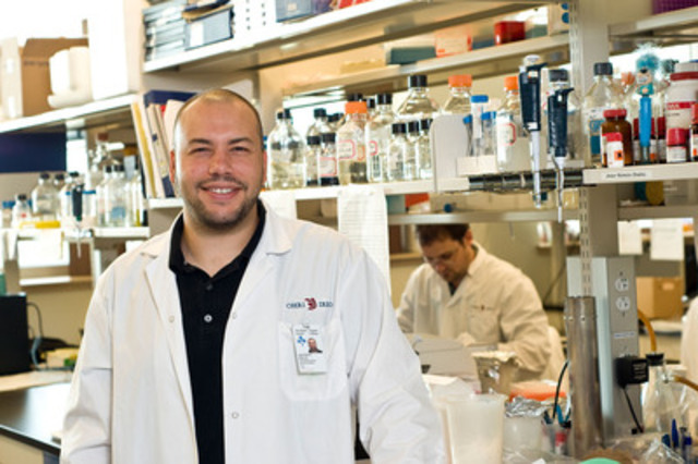 "Dr. Jean-Simon Diallo, along with Dr. John Bell, designed two cancer-fighting viruses with great potential. His project tops the Canadian Cancer Society's top research stories list of 2013."" (CNW Group/Canadian Cancer Society (National Office))"