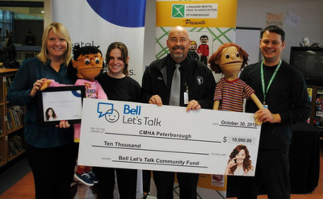 2012 Bell Let's Talk Community Fund presentation to The Canadian Mental Health Association Peterborough. (CNW Group/Bell Canada)