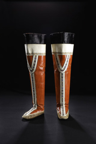 Nuuk, Greenland, 1955: Gender is expressed through footwear design in traditional Greenlandic dress. Women's boots such as these typically soar thigh‐high and are white and red while men's boots reach mid-calf and are black. Collection of the Bata Shoe Museum. Photo credit: Image © 2016 Bata Shoe Museum, Toronto, Canada (photo: Ron Wood)  (CNW Group/Bata Shoe Museum)