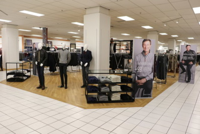 25 Sears department stores feature a Wayne Gretzky Collection branded shop (CNW Group/Sears Canada Inc.)