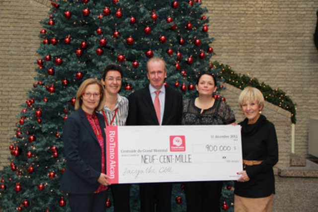 Rio Tinto Alcan donates $900,000 to Centraide. From left to right: Jacynthe Côté, Chief executive, Rio Tinto Alcan, Catherine Jestin and Nigel Steward, co-chairmen for this year's employee campaign, Michelle Adams, Campaign director, Rio Tinto Alcan and Michèle Thibodeau-De Guire, President, Centraide of Greater Montreal. (CNW Group/RIO TINTO ALCAN - EN)